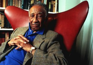 Albert Murray in his home in Harlem in 1998
